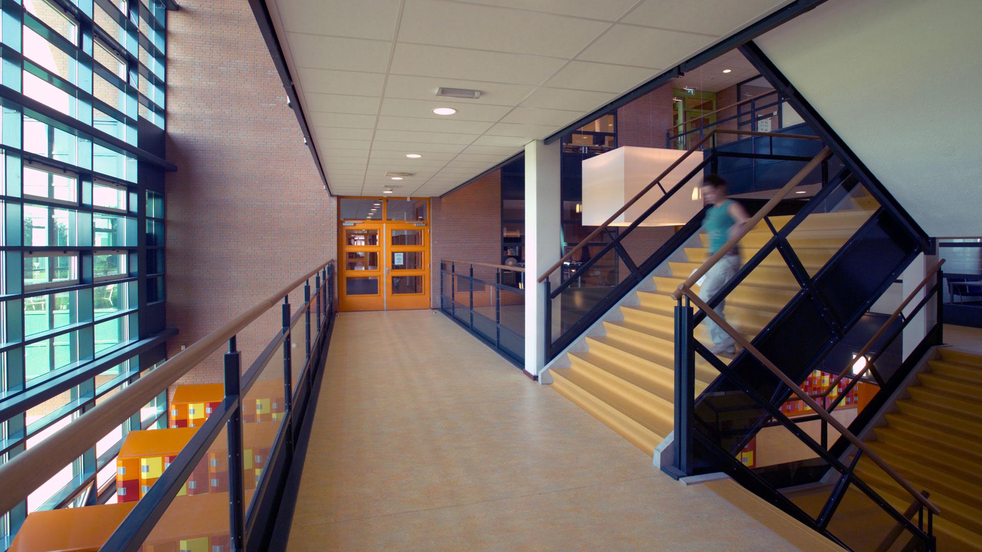 3888 waalwijk willem van oranje college interieur overloop zwevend web