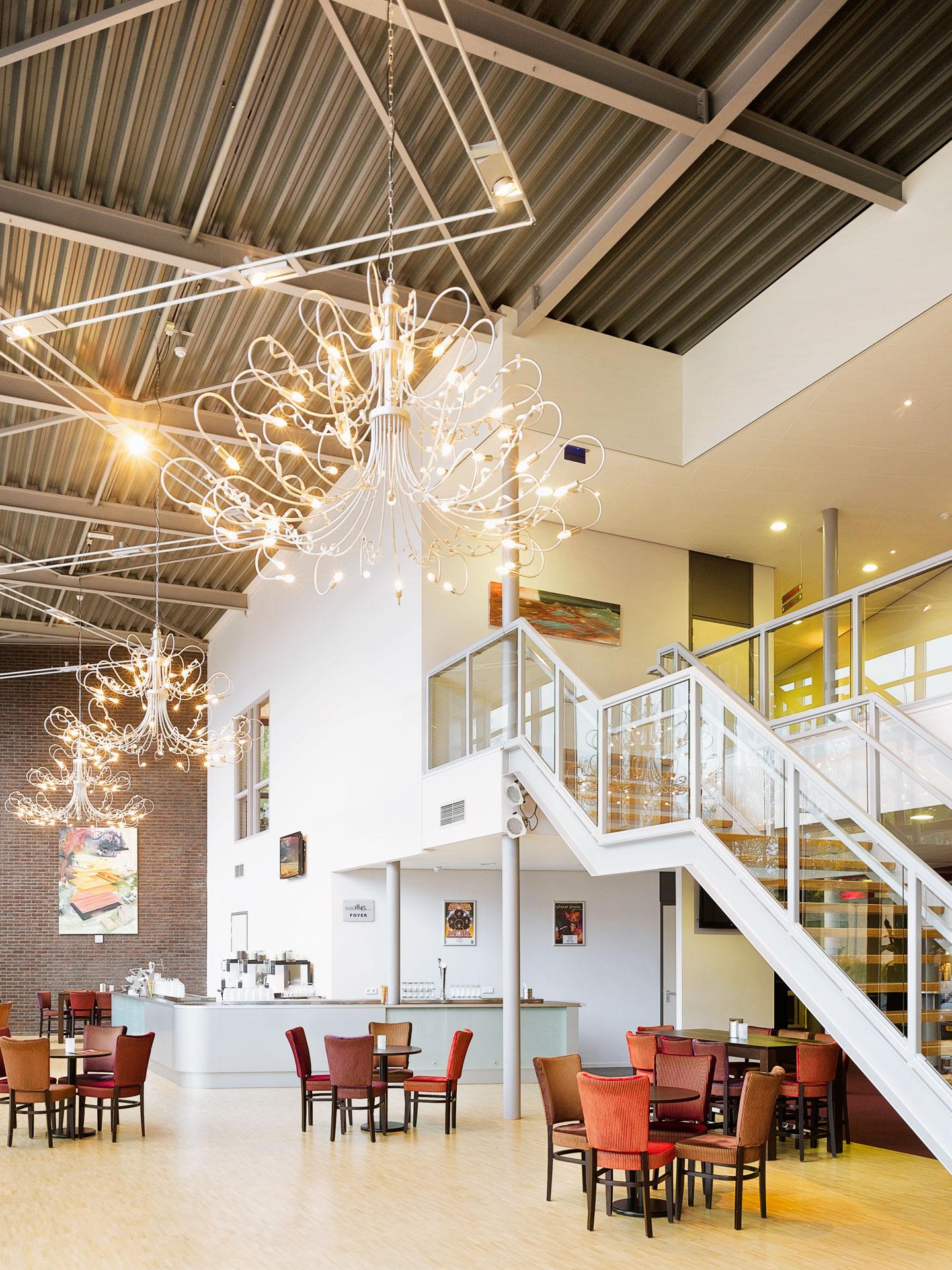 3948-Barneveld-Schaffelaar-theater-interieur - Bureau Bos